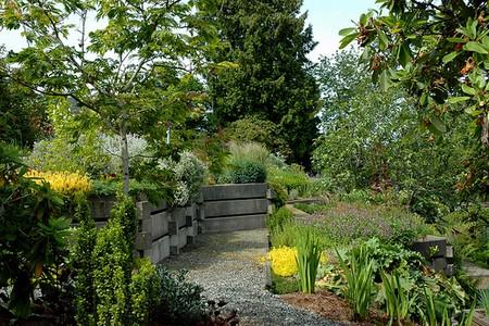 Informal Roof Garden Best Way to Build an Informal Roof Garden