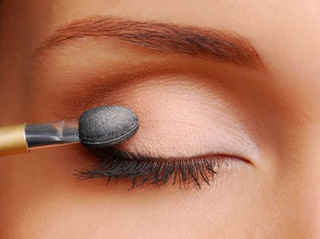 Apply Eye Makeup 1 Best Way to Apply Eye Makeup