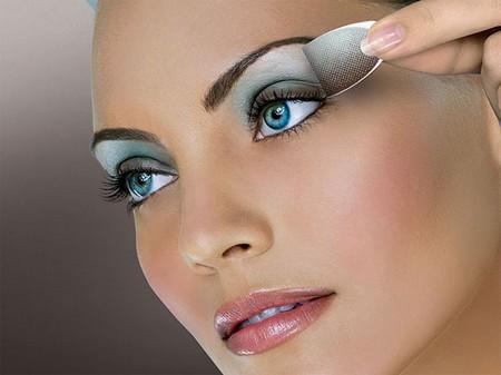 Apply Eye Makeup Best Way to Apply Eye Makeup